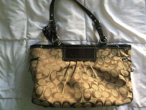 Selling an authentic coach purse