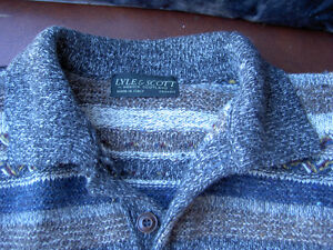 Assorted Sweaters Size L / G West Island Greater Montréal image 9