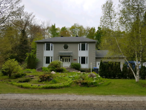 5 bedroom house for rent in Vaudreuil west