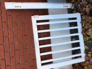 Barrière de clôture de cour