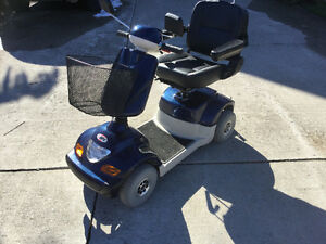 4 WHEEL Mobility SCOOTER M P A