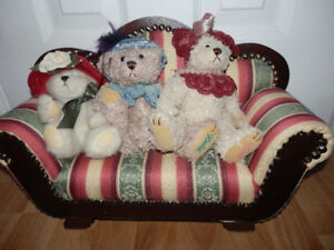 NEW BEARS AND POODLE ON MAHOGANY SOFA