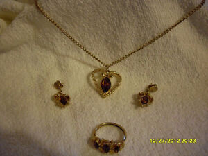 Avon Vintage – 3pc Jewellery set (Citrine)