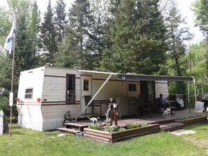 35' GLENELLE TRAILER IN A STATIONARY SETTING,REDUCED PRICE