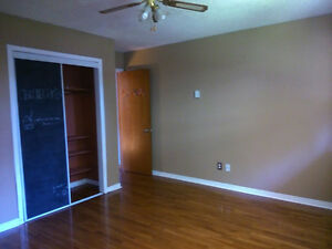 Fully Furnished Room For Rent Near Sault College