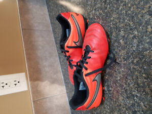 Outdoor soccer cleats/boots.  Nike size 6.  $30