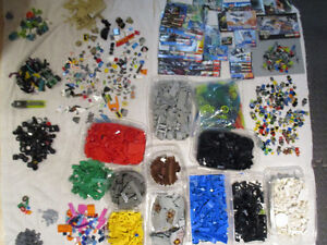 Lego: Huge lot of space etc. Over 60 Minifigs, 35 Instructions