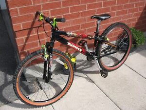 Used, mint condition Planet X Zebdi trials/street bike Cambridge Kitchener Area image 2
