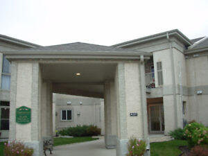 Immaculate 2 bed/2 bath condo in Charleswood