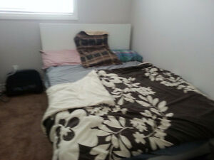 Spacious Furnished Central A/C Room Sherwood Calgary NW