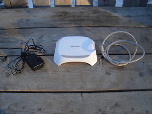 Excellent Condition: TP-Link Wireless N150 Router,150Mbps