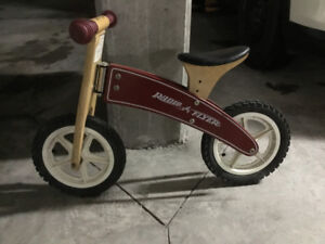 Radio Flyer Wooden  Balance Bike