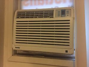 Cheap AC ! Works perfect! Windsor Region Ontario image 1
