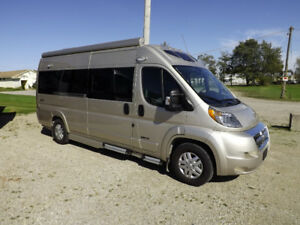2017 Roadtrek Zion - w/Solar and Lithium -barely used - 4000 kms