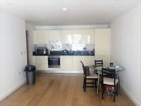 2 bedroom flat in Railway Terrace, Slough, SL2