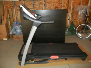 NordicTrack 4.0 Treadmill, excellent condition