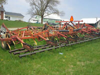 REDUCED!! 28' wilrich cultivator