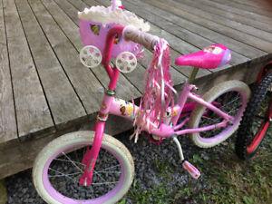 Vélos de fille et de garcon