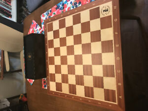 House of Stauton mahogany and maple tournament chess board