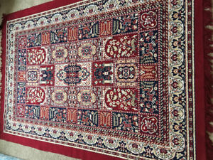 PERSIAN RUG WITH INTRICATE PATTERNS - MAROON COLOUR