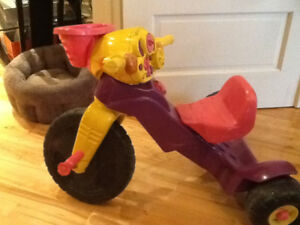 Tricycle fille fisher price, sons et clignotants