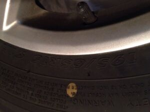 "4 mags Volkswagen 15"" avec pneus 195/65r15 neuf West Island Greater Montréal image 3"