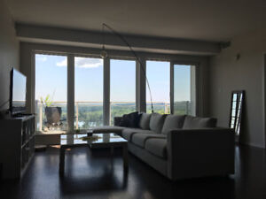 BEAUTIFUL 2 BEDROOM 2 BATHROOM APARTMENT WITH VIEW OF LAKE.