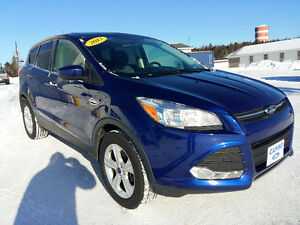 2013 Ford Escape SE One Owner, Dealer maintained, NEW TIRES