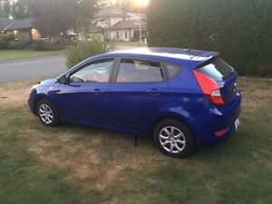 LIKE NEW HYUNDAI HATCHBACK