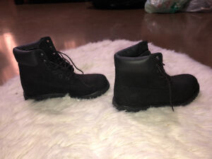 Brand new, never worn black leather women's Timberland boots 7.5