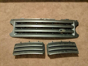 2004-2008 Range Rover HSE Grill And Side Grills - $75