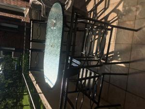 Set Exterieur table ovale et 6 chaises très propre