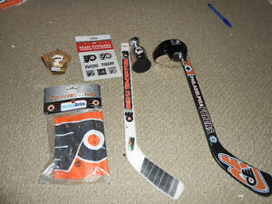 philadelphia flyers nhl scoreboard light and many collectables London Ontario image 5