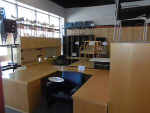 WE WANT ALL YOUR USED OFFICE FURNITURE ,DESKS,FILES,WORKSTATIONS