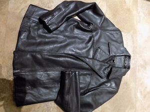 Leather ladies jackets in new shape .
