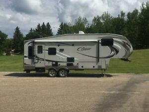 2012- 29 Foot Cougar High Country Fifth Wheel