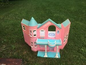 Barbie playhouse