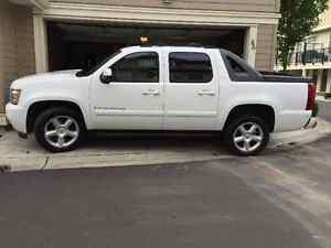 2009 Chevrolet Avalanche Pickup Truck