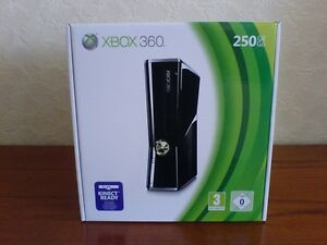 250GB XBOX 360 SLIM INCLUDES BOX + CUSTOM CONTROLLER + 2 GAMES