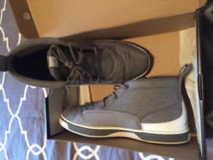 Size 10.5 men's Jordans grey