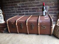 ANTIQUE VINTAGE TRUNK CHEST COFFEE TABLE STORAGE BOX