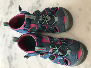 Girls Keen Shoes/Sandals Size 3 EUC