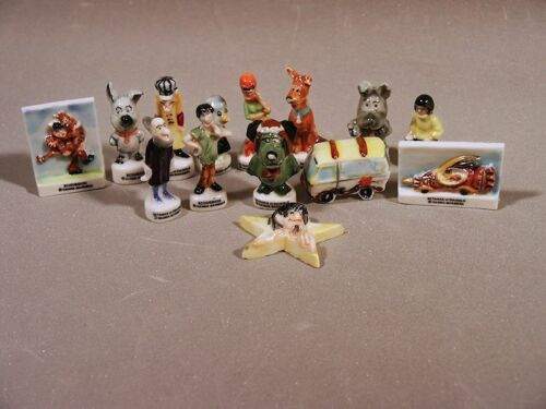 Scooby Doo French Feves Porcelain 10 Figurines Epiphany Cake