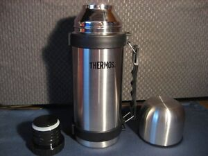 VACUUM INSULATED STAINLESS STEEL 1 LITRE THERMOS NEW