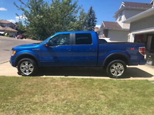 2010 Ford F-150 FX4 / Leather Seats / Sunroof / New Tires