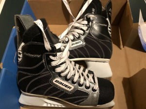 MEN'S HOCKEY SKATES, NEVER BEEN USED, SIZE 8, BAUER