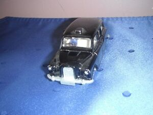 Dinky #284 Austin Taxi with Driver (Made in England '77-'79 Kingston Kingston Area image 2