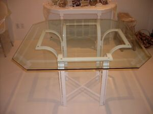 BEVELLED GLASS DINING TABLE AND CHAIRS West Island Greater Montréal image 1