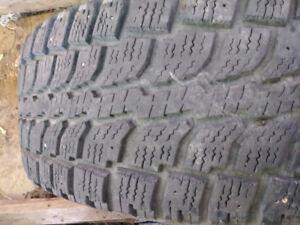 Si vous cherchez un pneu hiver 15 pouces(différente grandeur)