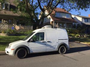 2010 Ford Transit Connect XLT (Camion réfrigéré) négociable